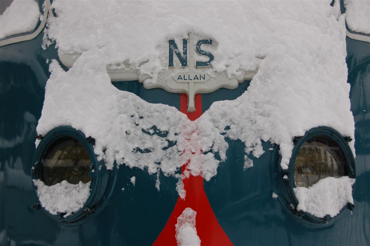 casey101219025-winterstation_sneeuw